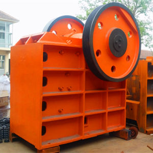 Welding PE Jaw Crusher (PE750*1060) pictures & photos