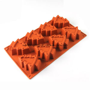 Christmas Tree Shape Silicone Cake Mold pictures & photos