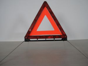 Reflective Traffic Emergency Warning Triangle with E-MARK