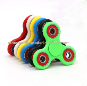 2017 Popular Plastic Candy Color Fidget Spinner Release Pressure Toys pictures & photos