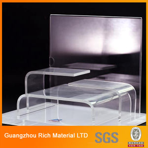 Acrylic Plastic Display/Plexiglass Display Rack/Acrylic PMMA Rack pictures & photos