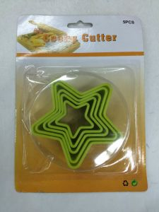 Plastic Cake Decoration Set pictures & photos