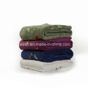Printing Plush Blanket Embroidered Spring Flannel Blanket Wholesale pictures & photos