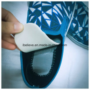 Elastic Cord Design Flat Shoes with Fashion Color and Honeycomb Sole pictures & photos