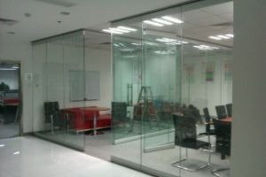Mordern Office Design Frameless Glass Sliding Door pictures & photos