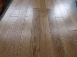 Natural Oak Solid Hardwood Flooring (solid wood flooring) pictures & photos