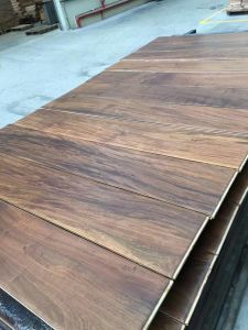 Ipe, Lapacho Engineered Wood or Laminate Flooring pictures & photos