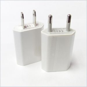 White Universal USB Power Adapter for iPhone 6 6s 5s pictures & photos