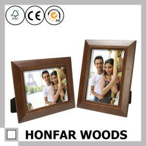 Coffee Color Solid Wood Standing Picture Frame for Gift pictures & photos