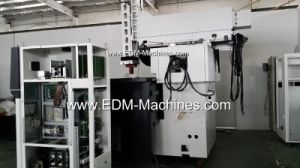 Spindle Move Type CNC EDM Sinker Machine pictures & photos