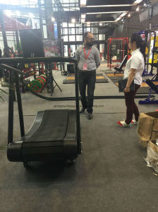 Fitness Equipment/Woodway Curve Treadmill/Commercial Crawler Treadmill pictures & photos