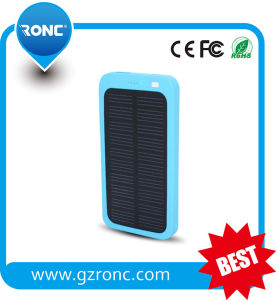 Solar Power Bank Charger 4000mAh for Outdoor Charging Mobiles pictures & photos
