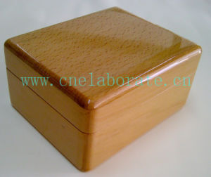 Small Wooden Gift Box pictures & photos