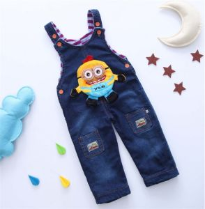 P1128 New Arrival High Quality Cute Fashion Infant Overall Cartoon Minions Thick Warm Denim Rompers Winter Baby Jumpsuit Cotton Baby Girl Boy Overalls pictures & photos