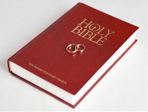 High Qaulity Hardcover Bible Printing /Paper Back Bible Printing (jhy-079) pictures & photos