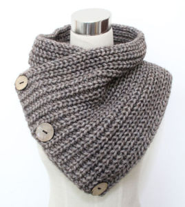 Lady Fashion Coconut Button Wool Acrylic Knitted Scarf (YKY4385) pictures & photos