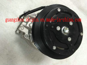 Belt Pulley Cooling Pump; 88320-52010 Car AC Compressor Part for Toyota Yaris pictures & photos