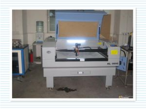 Popular Laser Cutting and Engraving Machine with a Computer pictures & photos