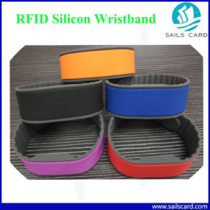 Black Color 55/60mm Em4100 T5577 RFID Leather Wristbands pictures & photos