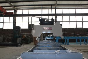 Horizontal Timber Cutting Machine Wood Cutting Machine pictures & photos