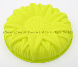 "3D Flower Big Size Silicone Birthday Cake Mold for Party Sc55 (10"") pictures & photos"