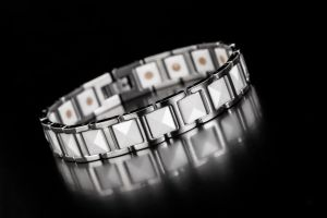 White Ceramic Hot Selling Lover′jewelry with Stainless Steel Bracelet pictures & photos