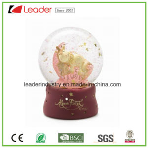 Hand Painted Resin Craft Gifts Water Globe with Snowman for Promotional Gifts and Christmas Decoration pictures & photos