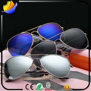 2017 Explosion Star of The Same Section of The Metal Frame Sunglasses pictures & photos