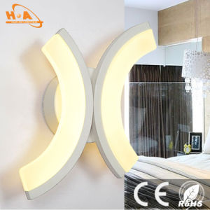 Popular Cheap Warm Light Indoor Decorative LED Wall Fancy Light pictures & photos