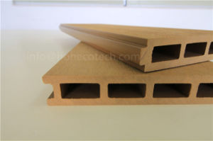 Eco-Friendly Popular Plastic Wood Composite Decking Tile (150H25-D) pictures & photos