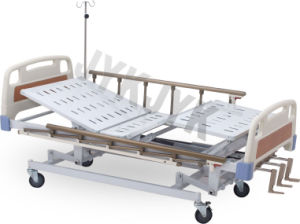 Manual Three-Function Hospital Bed pictures & photos