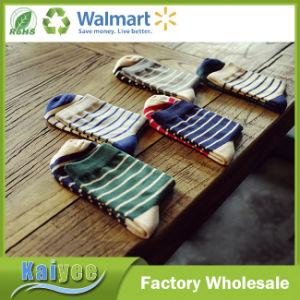 Colorful Anti-Pilling Men Warm Cotton Striped Long Sock pictures & photos