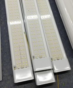 LVD RoHS 2 Years Warranty LED Batten Light pictures & photos