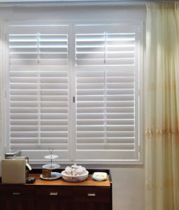 Z Frame PVC Fauxwood 64 mm Blade Interior Decor Window Plantation Shutters pictures & photos