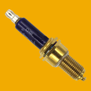 Hot Selling Motorcycle Spark Plug for CB125s Motorcycle Engine pictures & photos