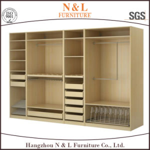 European Style Solid Wood Bedroom Clothes Wardrobe Furniture pictures & photos