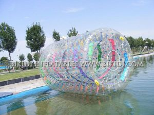 Inflatable Water Roller /Inflatable Water Wheel, Zorbing Ball pictures & photos