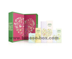 High End Custom Rigid Gift Box with Cmyk and Strong Magnets pictures & photos