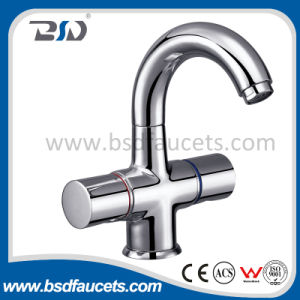 Deck Mounted Single Hole Dual Handles Kitchen Faucets pictures & photos
