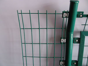 Cheap PVC Coated Bilateral Wire Mesh Fence pictures & photos