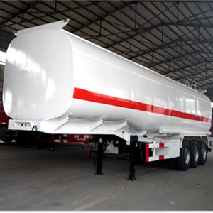 Chengli Advanced European Standard Fuel Tank Semi Trailer for Sale pictures & photos