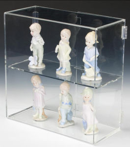 Top Clear Figure Acrylic Display Case & Box pictures & photos