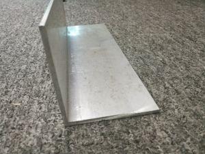 6082 Alloy Aluminium/Aluminum Extruded/Extrusion L Shaped Profile pictures & photos