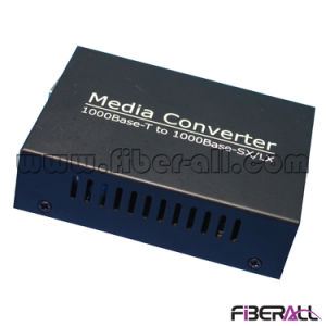 1000m Media Converter for 1.25g SFP Optical Transceiver LC 10km pictures & photos