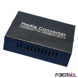1000m Media Converter for 1.25g SFP Optical Transceiver LC 10km pictures & photos