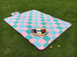 2017 Top Selling Foldable PEVA Waterproof Polar Fleece Picnic Blanket. pictures & photos