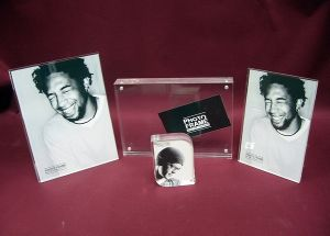 Customize Wholesale New Clear Magnet 4X6 Acrylic Picture Clear Transparent Frame pictures & photos
