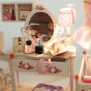 Handmade Mini Wooden Doll House Model pictures & photos
