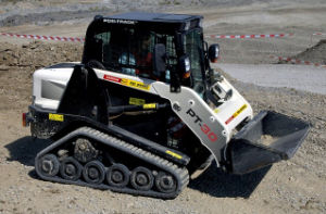 280*102*37 11′′x4′′x37 Multi Terrain Loader Terex PT30 Compact Track Loader Track pictures & photos