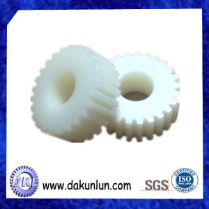 Customized High Precision Injection Molding Plastic Gear pictures & photos